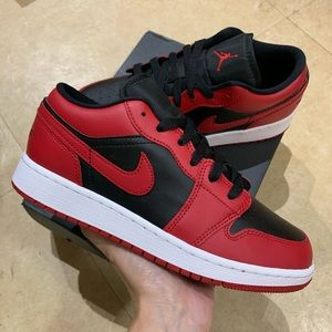Air Jordan 1 Low US 5.5Y / 7W